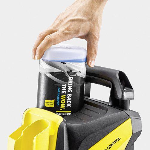 Plug 'n' Clean System - смяна на почистващия препарат с едно движение.